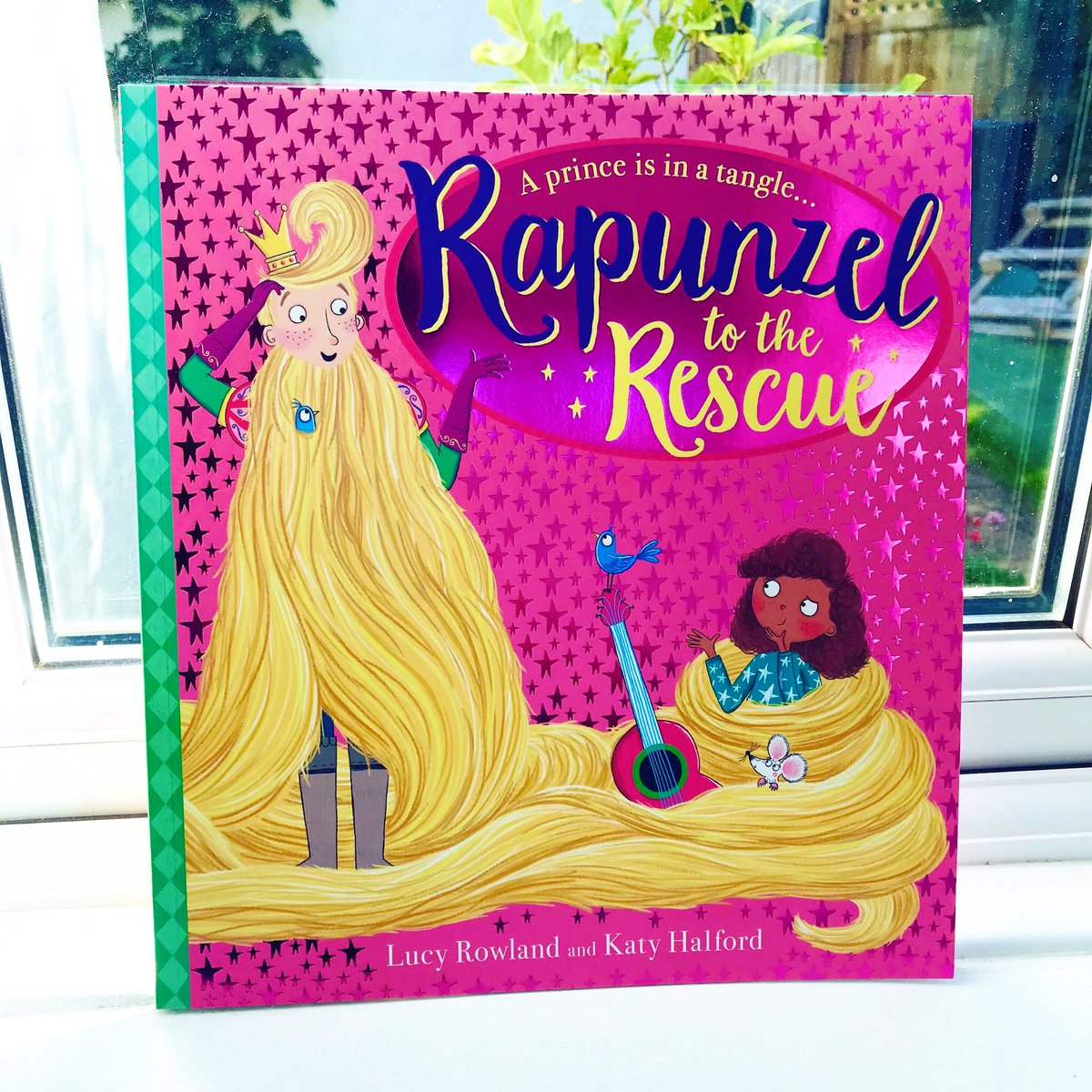 ✨B O O K G I V E A W A Y✨ @lucymayrowland & I have decided to #giveaway another signed copy of Rapunzel to the Rescue! To #win a copy simply like & retweet🤗 Competition ends midnight Sun 20th Sept. Good luck🍀 #rapunzeltotherescue #kidlit #competition @scholasticuk