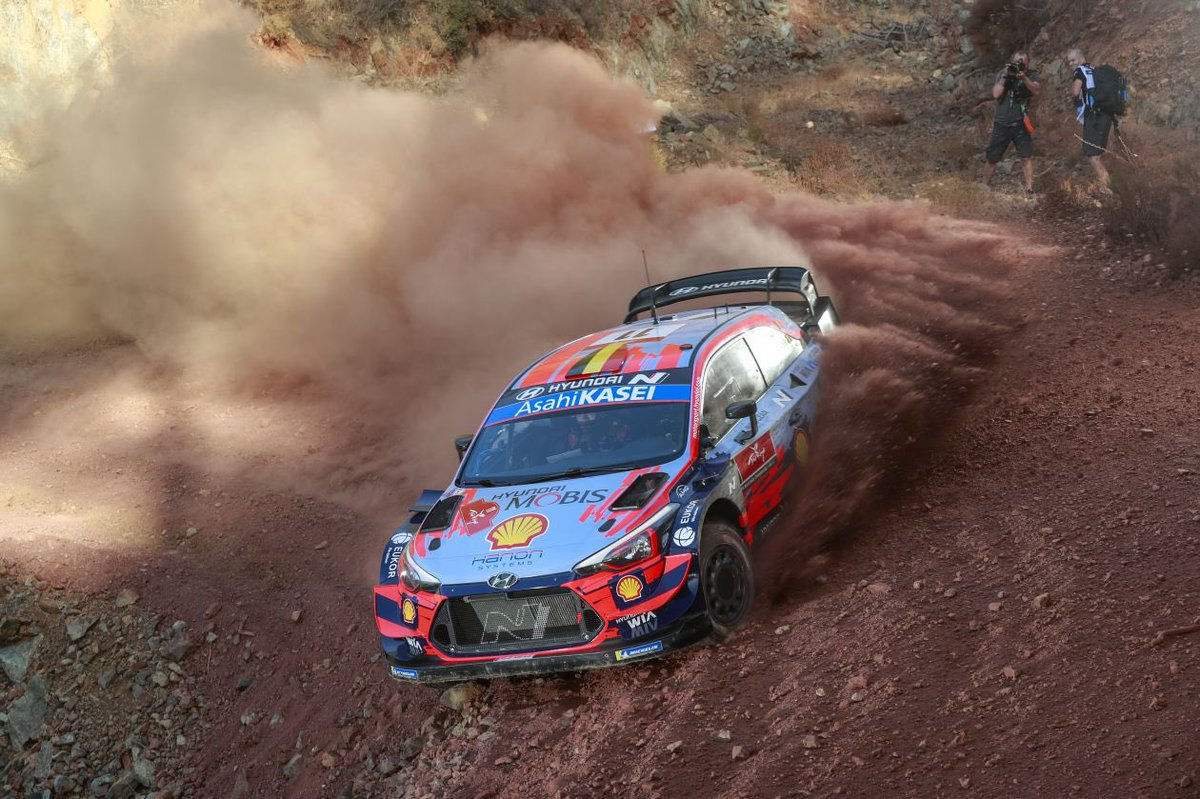 #RallyTurkey 🇹🇷 SS1 Içmeler (13.90 km) 1. Neuville 10'13.1 2. Loeb +2.2s 3. Tänak +3.5s 4. Evans +3.9s 5. Ogier +5.1s 🏁 #DesdeLaRuta #Rally #WRC #rallye #rallycar #sportscar #WRC2 #WRC3 #WRC2020 #Racing #Cars #RallyLovers #RallyLife #Car #AFondo #RallyTime #Rallycar https://t.co/FbmosfzULS