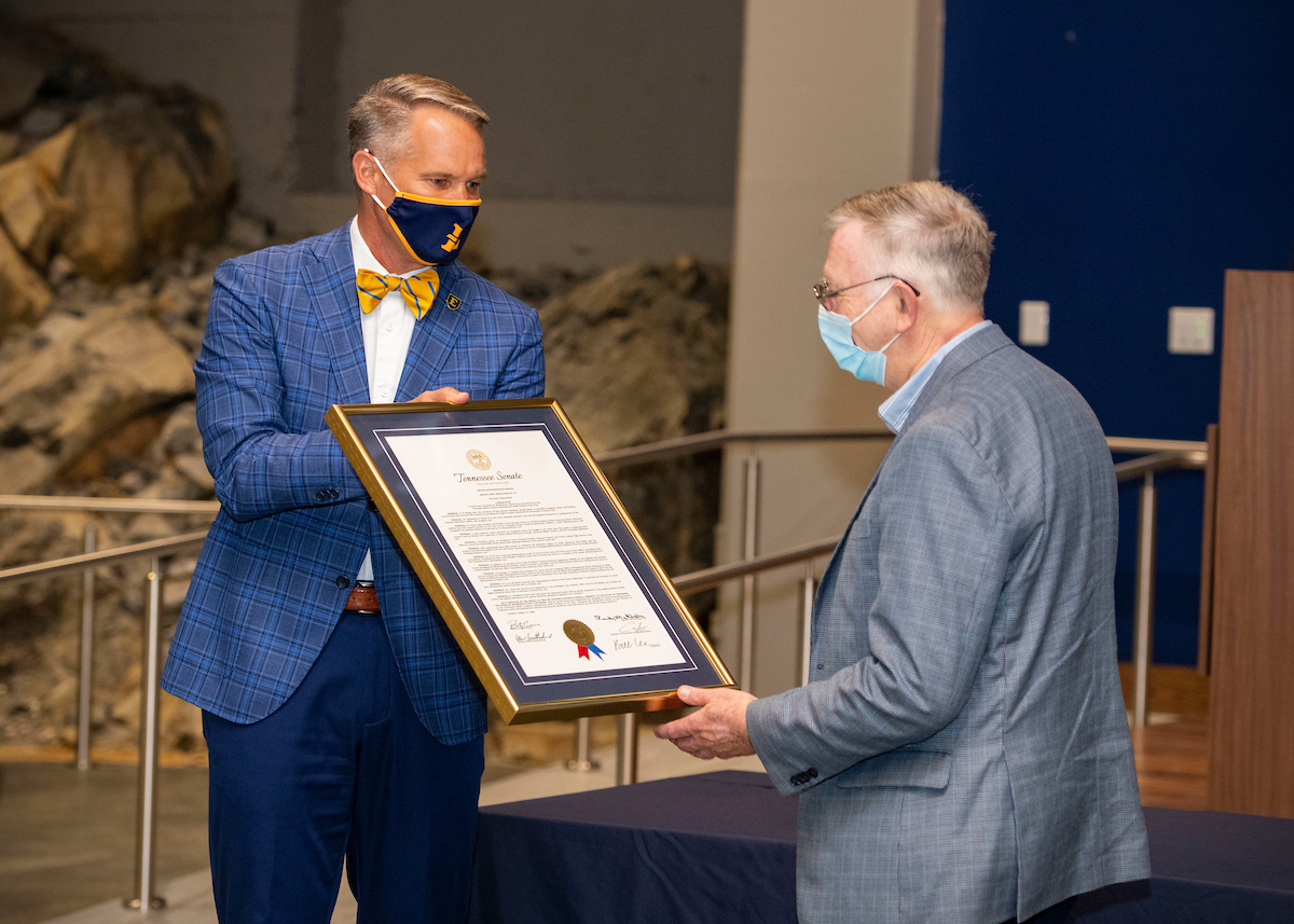 Longtime ETSU music educator Dr. Benjamin Caton received a surprise honor during a special ceremony on Sept. 17, as well as two awards he had not been able to accept in person earlier due to COVID-19 restrictions. Congratulations, Dr. Caton! Best wishes for your retirement. https://t.co/QrJ2TUBkwe
