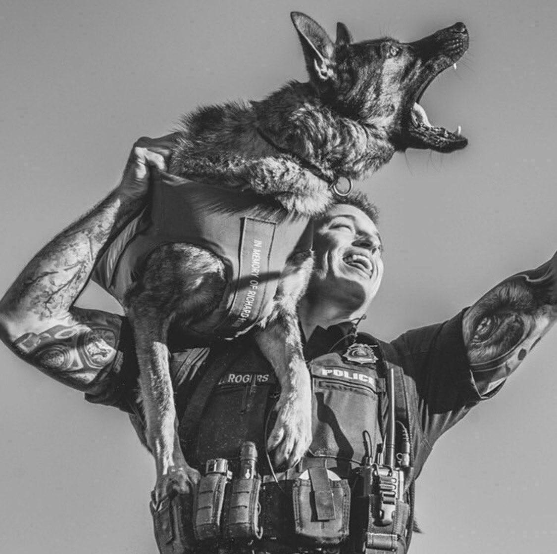 Mans best friend |📷: @k9_gunther| + + #taco #highspeed #highspeedgear #HSGI #theoriginaltaco #OGTaco #realworld #lawenforcement #police #thinblueline #gunstagram #tacopouches #tactical #tacticool #policegear #protectandserve #supportheblue https://t.co/weasSTdrPo