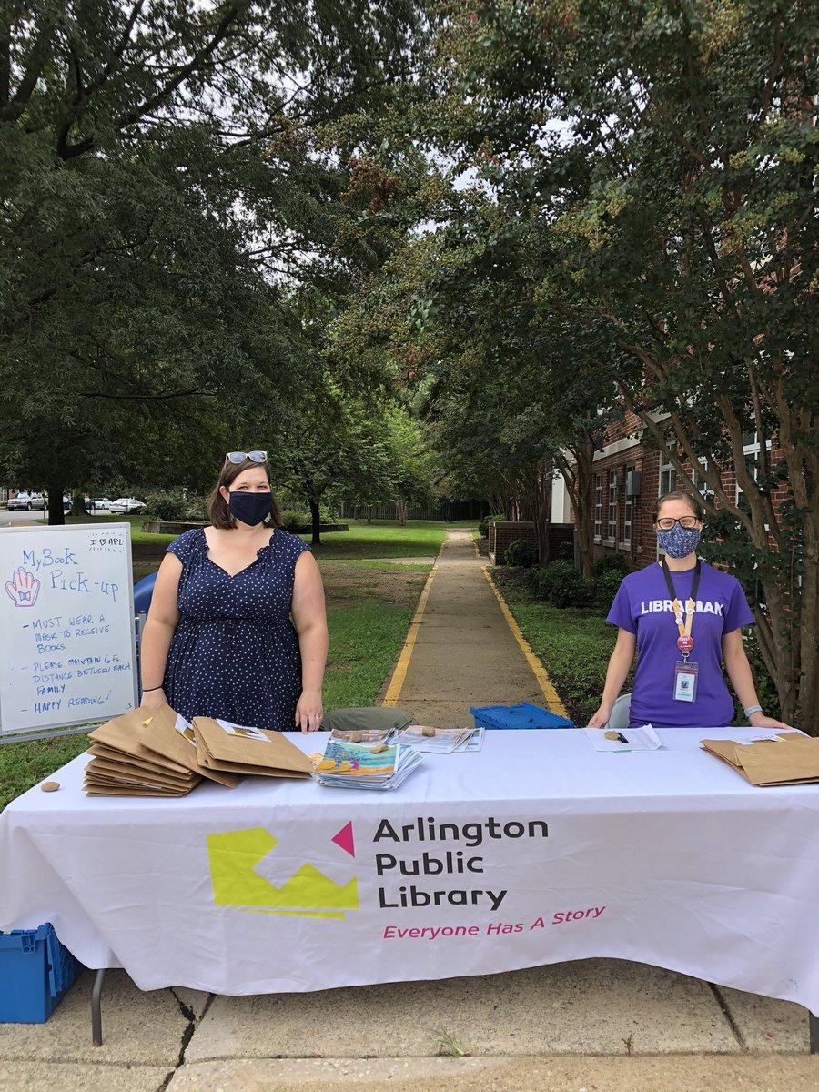 The <a target='_blank' href='http://twitter.com/ArlingtonVALib'>@ArlingtonVALib</a> MyBook program is happening right now at <a target='_blank' href='http://twitter.com/KWBLibrary'>@KWBLibrary</a> Watching students walk away hugging their books is awesome! <a target='_blank' href='https://t.co/eaQeMUJVOl'>https://t.co/eaQeMUJVOl</a>