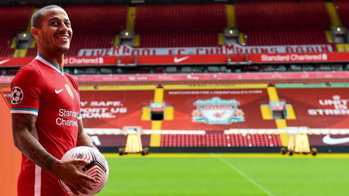 Welcome to the @premierleague champions, @Thiago6 😁  #ThiagoFriday 🙌 https://t.co/gU18ENjVtn