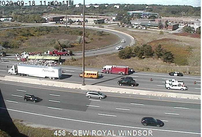 A large garbage truck has rolled over and spilled some of its load at the QEW and Royal Windsor westbound exchange.Police said the right lane is closed and part of the on-ramp from Royal Windsor Dr. https://t.co/ENShHAuygL