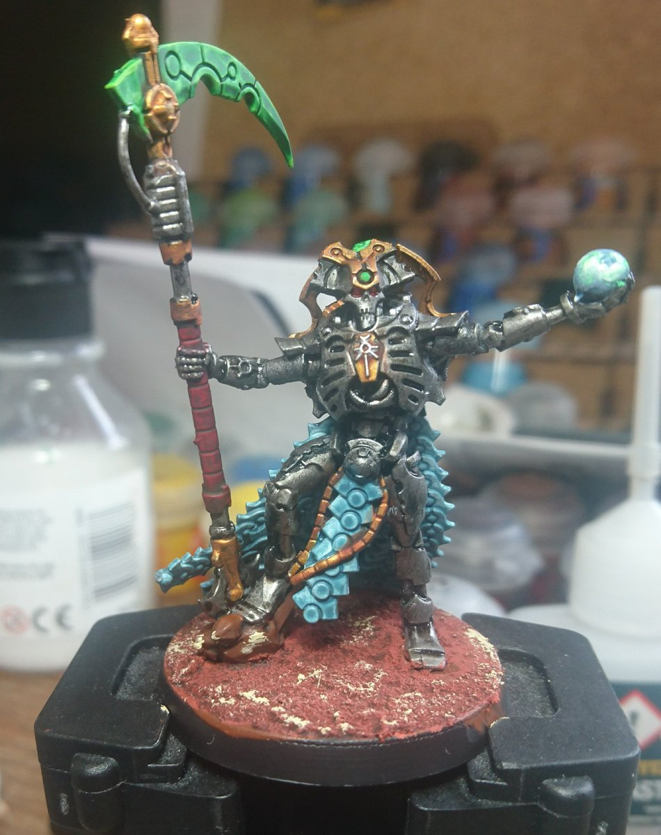 First test piece for new (OK old) Necron army. #WarhammerCommunity #warhammer40000 #paintingminiatures https://t.co/5AcyhoS5as