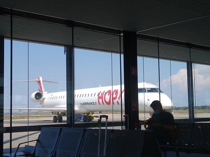 {Flight Review} On retrouve @jerome_courmont et sa joute verbale pour ce vol @AirFranceFR entre Lyon et Lille C'est à lire ici: https://t.co/WefdfNqI3k  #avgeek #paxex #voyage #Airport https://t.co/5OjgQzZFRQ