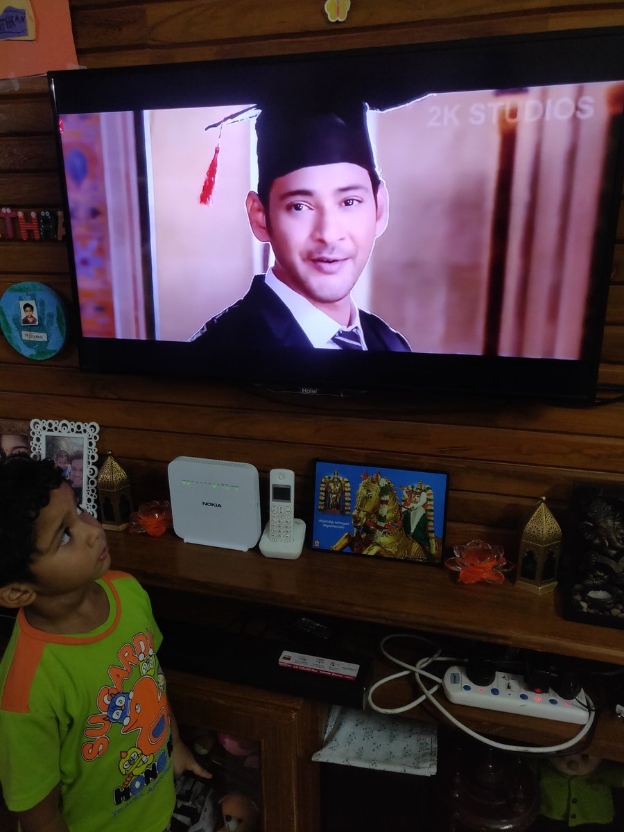 @urstrulyMahesh your big fan ,my kiddo ,watching #BharatAneNenu  and #Sarilerunekevvaru for the umpteenth time in this lock down ...aiming to be a scholar and #Military #army officer @AnilRavipudi @sivakoratala https://t.co/CBy31Lce8J