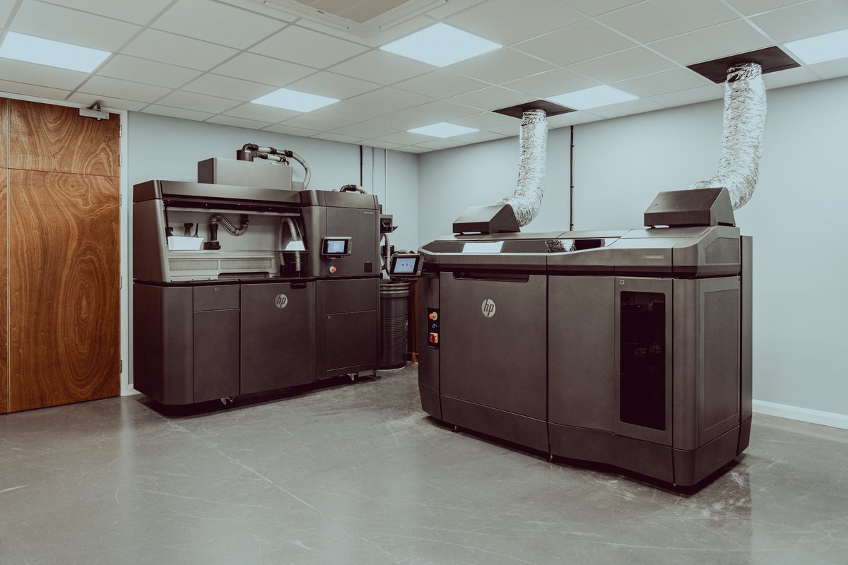 Here at Graphite Additive Manufacturing, we are focused on developing industry-leading expertise in plastic 3D printing technologies and materials 💡  Find out more about the technologies we offer 👇 https://t.co/7jaipIW954 #3dprinting #engineering #additivemanufacturing https://t.co/UY2wB0u7Hr