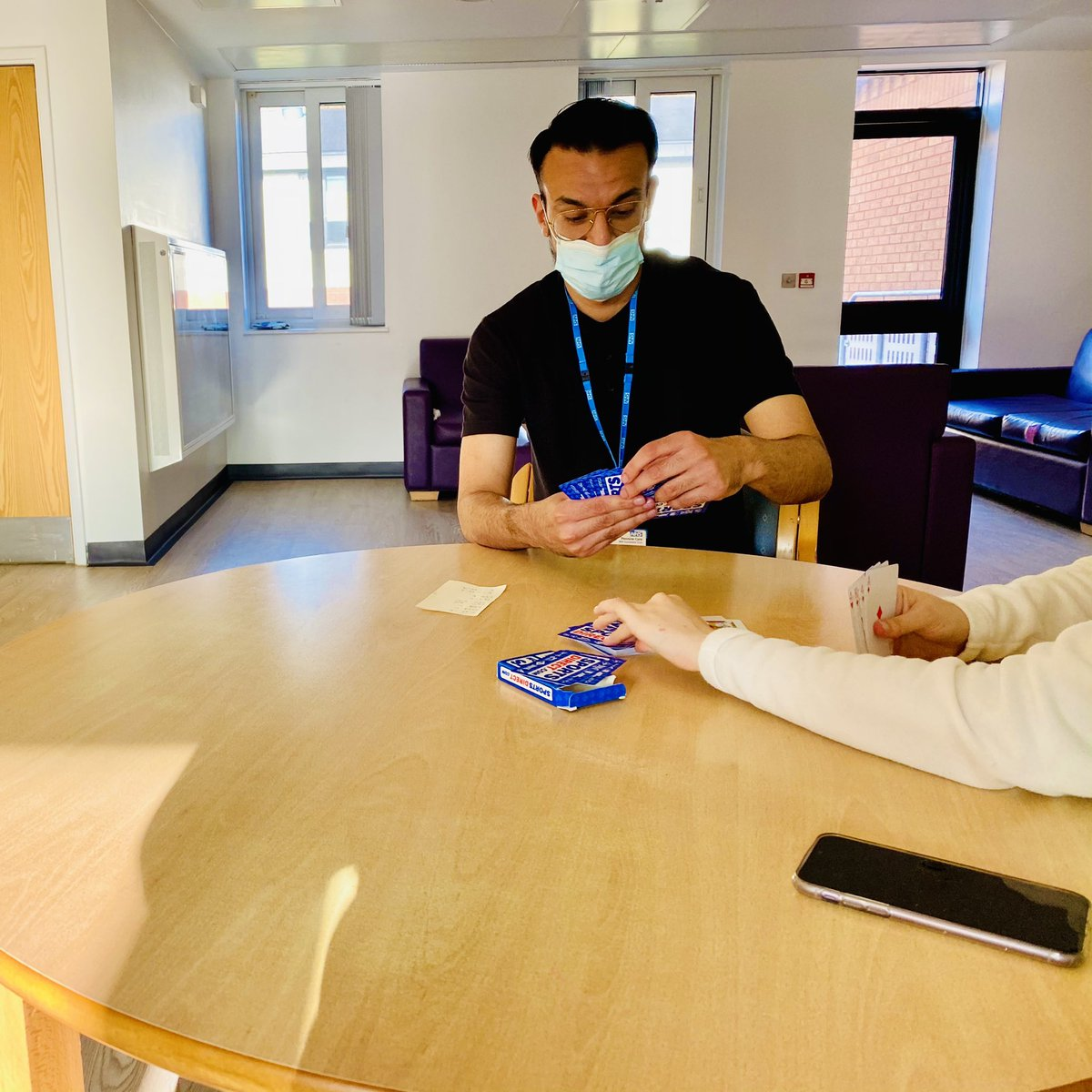 Great to see staff engaging with patients in a way that works for them... 🃏♣️♦️Our new starter Umair who is completing his preceptorship as a newly qualified nurse. Welcome to the team 🥳 @PennineCareNHS @1RMNABBY @CherniceFx #JEU #FridayThoughts #FridayMotivation https://t.co/3LKJsWcNX5