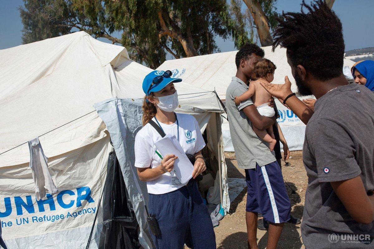 Milhares de pessoas que perderam seus abrigos com o incêndio em #Moria precisam de ajuda emergencial e locais para serem realocados para continuarem com seus processos até chegar em um local seguro. Realocação para a Europa deve continuar, e nós estamos lá apoiando este processo. https://t.co/WC8SxMypnQ