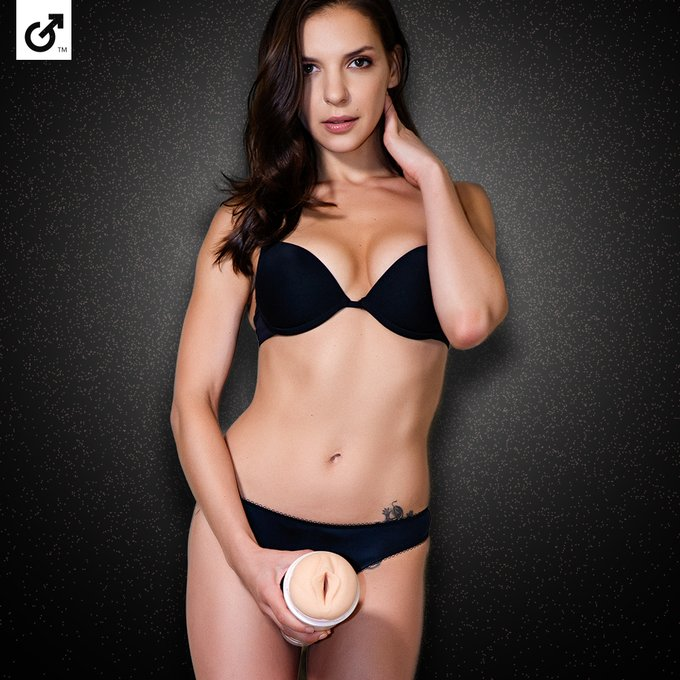 Congratulations to our newest addition to the Fleshlight Girl family, Russian beauty and @FanCentro favorite