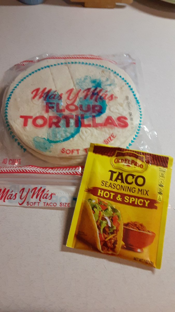 What's on the menu for dinner tonight. I'm sorry #TacoTuesday It's Game night. I'm making some spicy tacos 😜😝😛 https://t.co/t0o10vtNl2