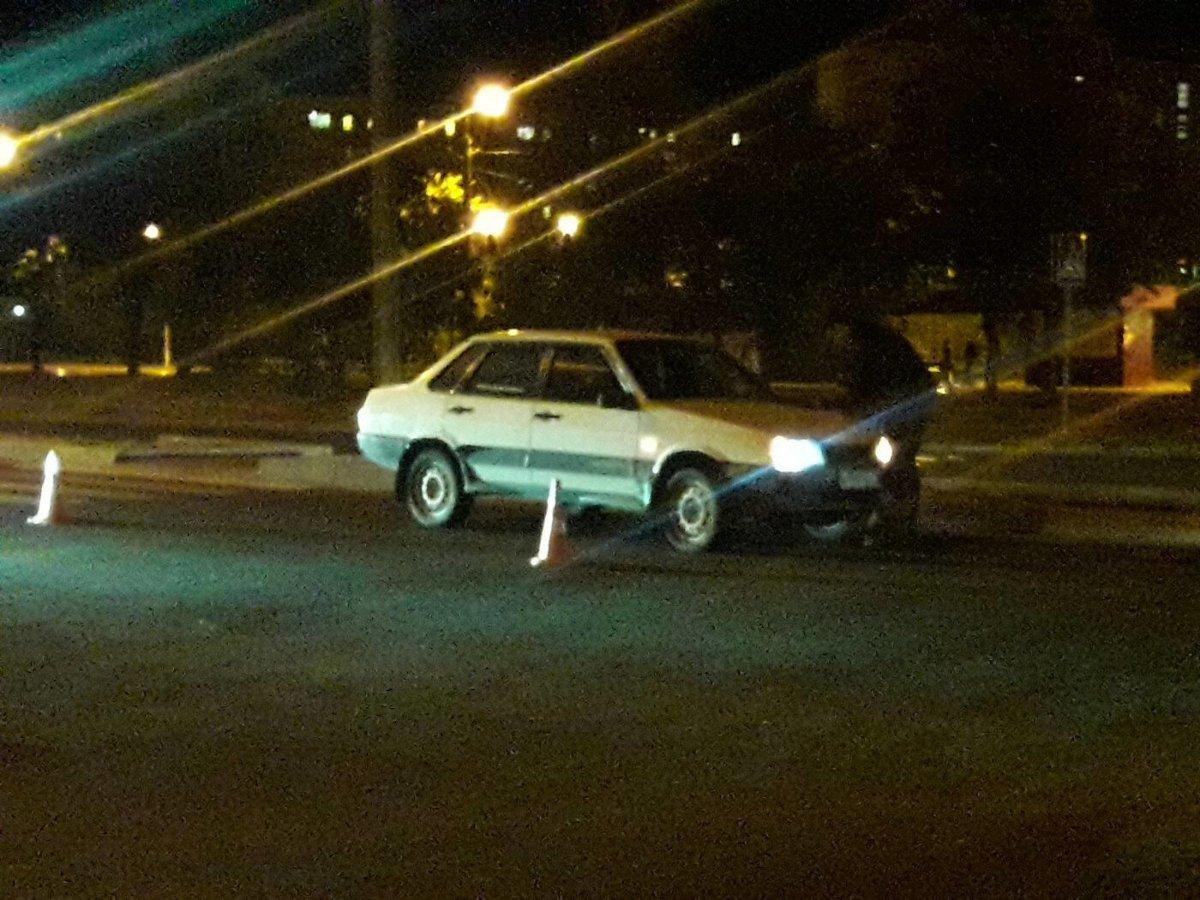"""В Мариуполе на """"зебре"""" автомобиль сбил пешехода, - ФОТО  https://t.co/wTB75Ol0NA https://t.co/LlZhIfuhVE"""