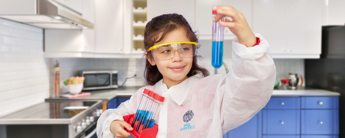 Your child will be kept busy with hands-on activities from our awesome Mad Scientists. Parents can relax as limited adult supervision is required! Click here to learn more: https://t.co/YsjdfB0Eiu #virtualprograms #scienceathome #kidactivities https://t.co/9tNgrev1gZ