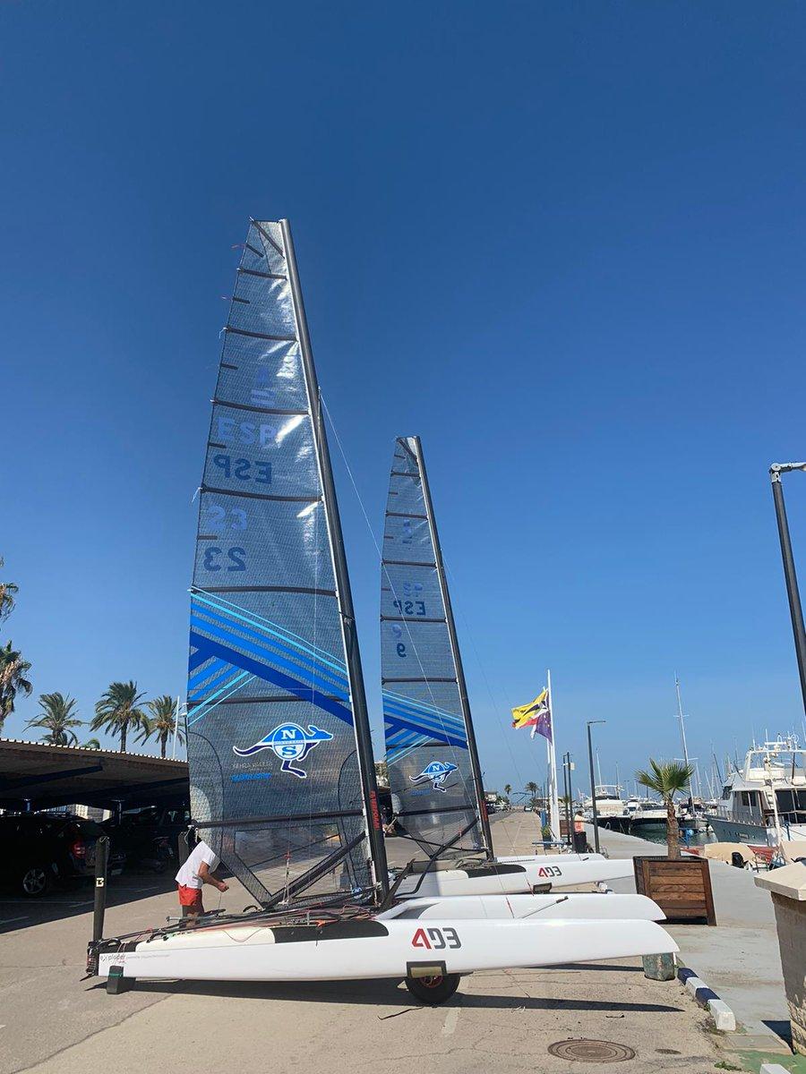 E3 sigue apostando por el deporte de vela. Tras Chipiona nuestra embarcación patrocinada se encuentra en Valencia para participar en otro campeonato. ¡Mucha suerte!  #Deporte #E3Windows #VentanasEficientes #VentanasPVC https://t.co/mEhdGdw9hE