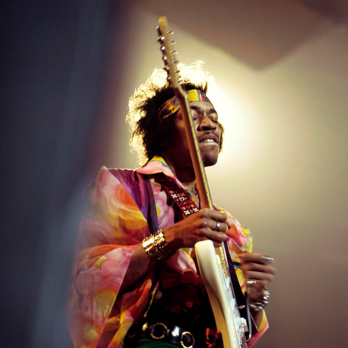 """""""Music makes me high onstage, and that's the truth. It's almost like being addicted to music. You see, onstage I forget everything, even the pain.""""   50 years ago today the world lost legendary guitarist and rock icon Jimi Hendrix. Photo via Getty/David Redfern. https://t.co/Q4hb0DayCc"""