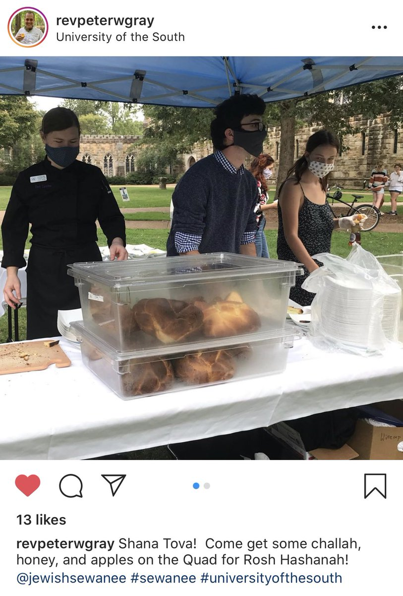 Best Rosh Hashanah news today is seeing the chaplain of my son's very Christian school posting photos of a challah, apples and honey pop-up on the university quad. Reason to smile as 5780 draws to a close. #ShanaTovah #YSR https://t.co/frZ9WrJA6X