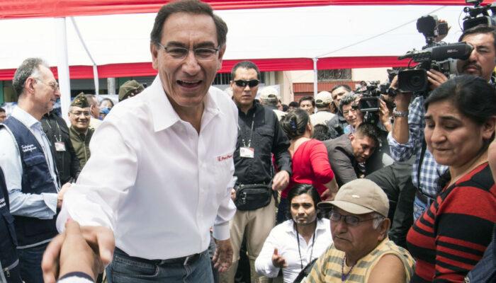 #internacionales| Vizcarra al banquillo en juicio de destitución a 10 meses del fin de su mandato en Perú  Lee más #ElCandelazo 🔥  👉https://t.co/ec7McTVZrn  #19Sep https://t.co/hgrCgm3oln