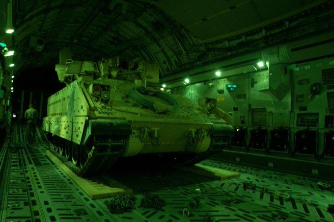 الحرب في سوريا: الولايات المتحدة ترسل تعزيزات عسكرية إلى شمال شرقي البلاد بعد اشتباكات مع روسيا EiOUc0UX0AAmiYq?format=jpg&name=small