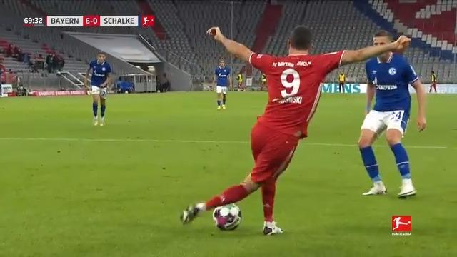 Lewandowski's rabona assist was simply outrageous 🤯😍  https://t.co/tW3PQXZrjX