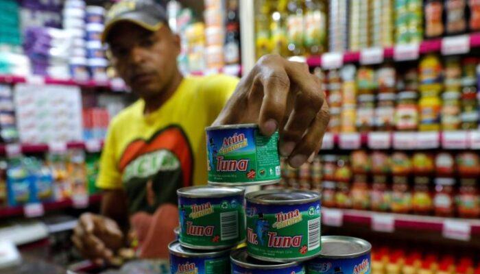 #Nacionales| Una familia necesita 144 salarios mínimos para cubrir gastos en alimentación  Lee más #ElCandelazo 🔥  👉https://t.co/DP3HLGKB5q  #19Sep https://t.co/7H8p8RvJV4