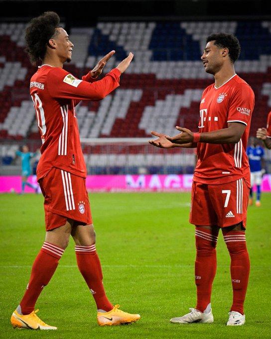 Sanè con la maglia del Bayern Monaco al debutto in Bundesliga