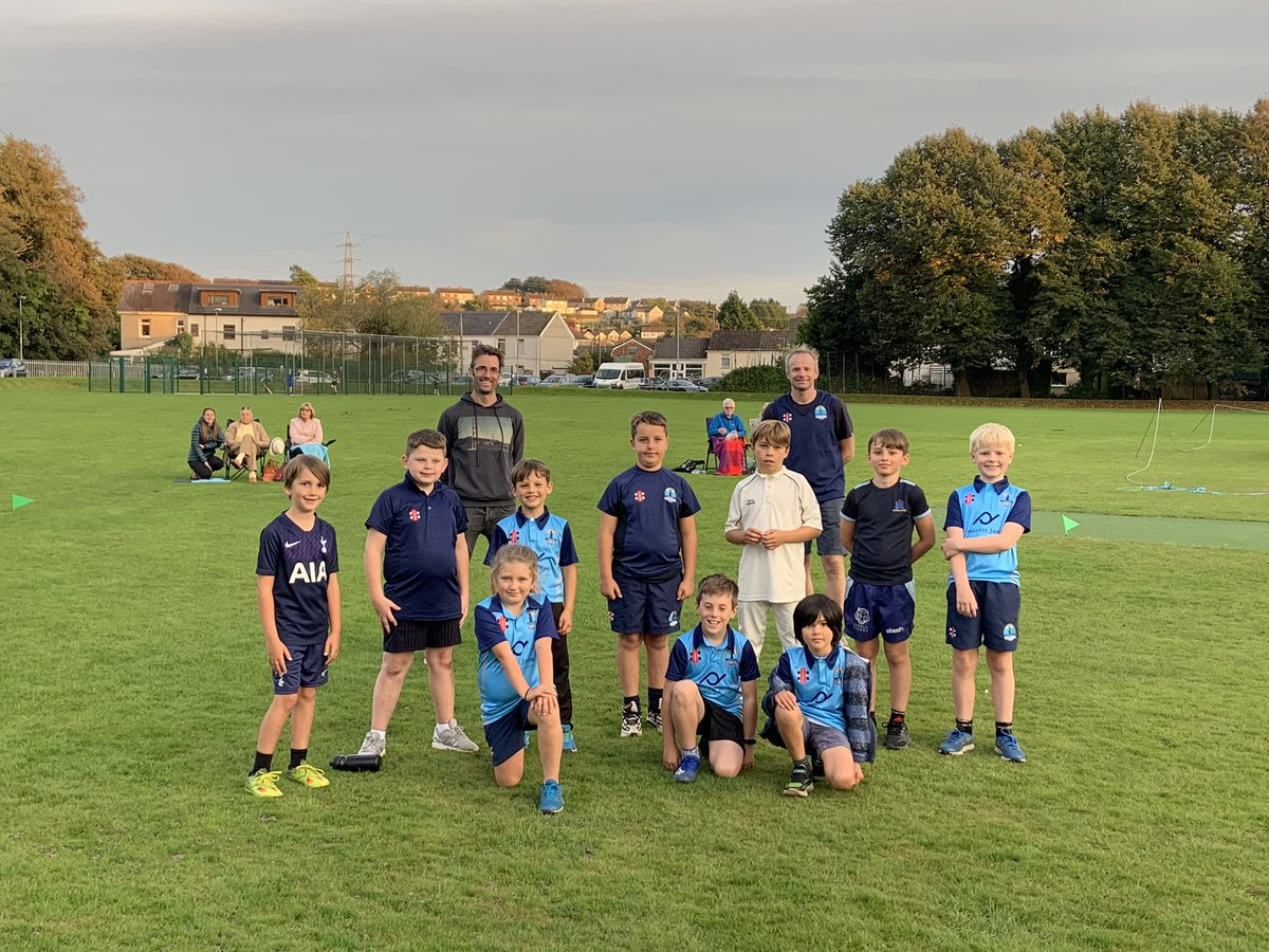 test Twitter Media - Huge thanks to our hosts @DafenCCJnr for what was a wonderful evening of junior cricket. Smiling children and parents. What's not to love! #CricketFamily 🏏🏏💪🏻💪🏻 our U9's absolutely loved their 1st game https://t.co/reALcNnohn