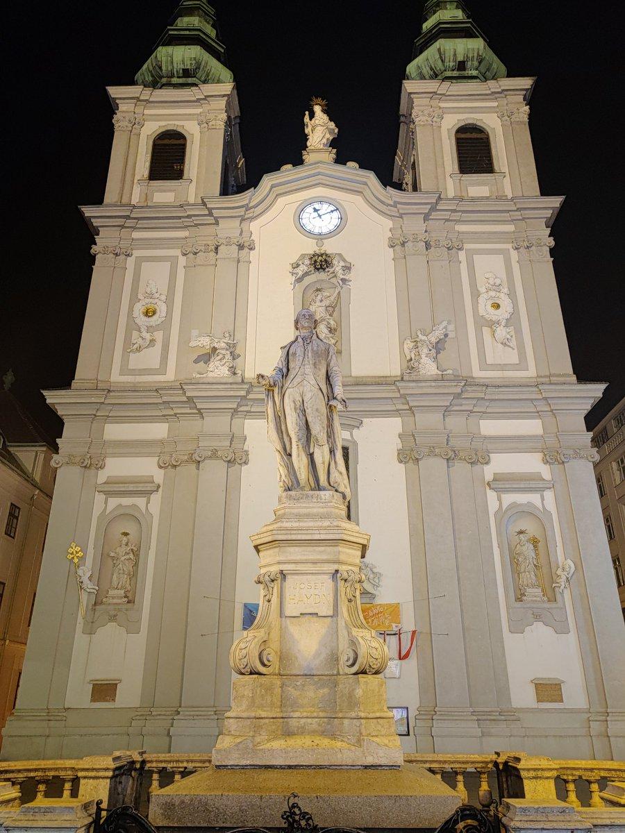 Haydn by night #Wien https://t.co/evQNrQjQtW