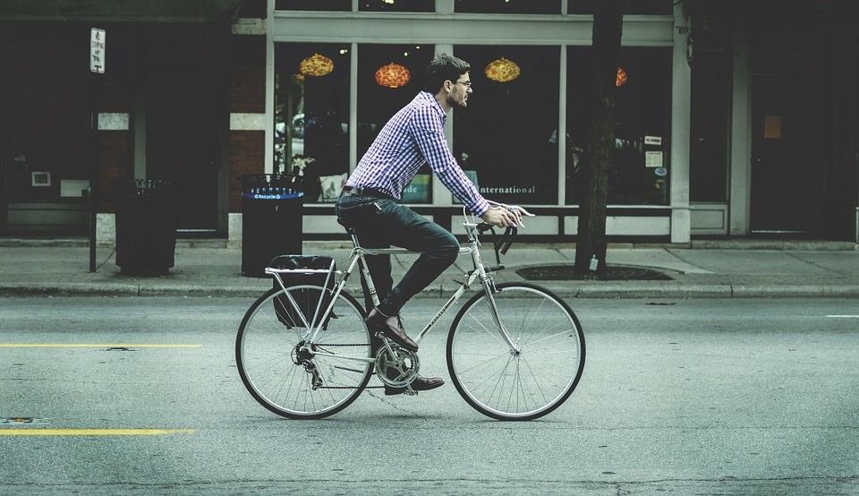 Bicicleta, una alternativa de transporte para la nueva normalidad https://t.co/ZgCzm6QQz4 #MaletadeViajes #viajes #Turismo #movibilidad #bicicleta @ATTMx https://t.co/QzsEqNJJIC