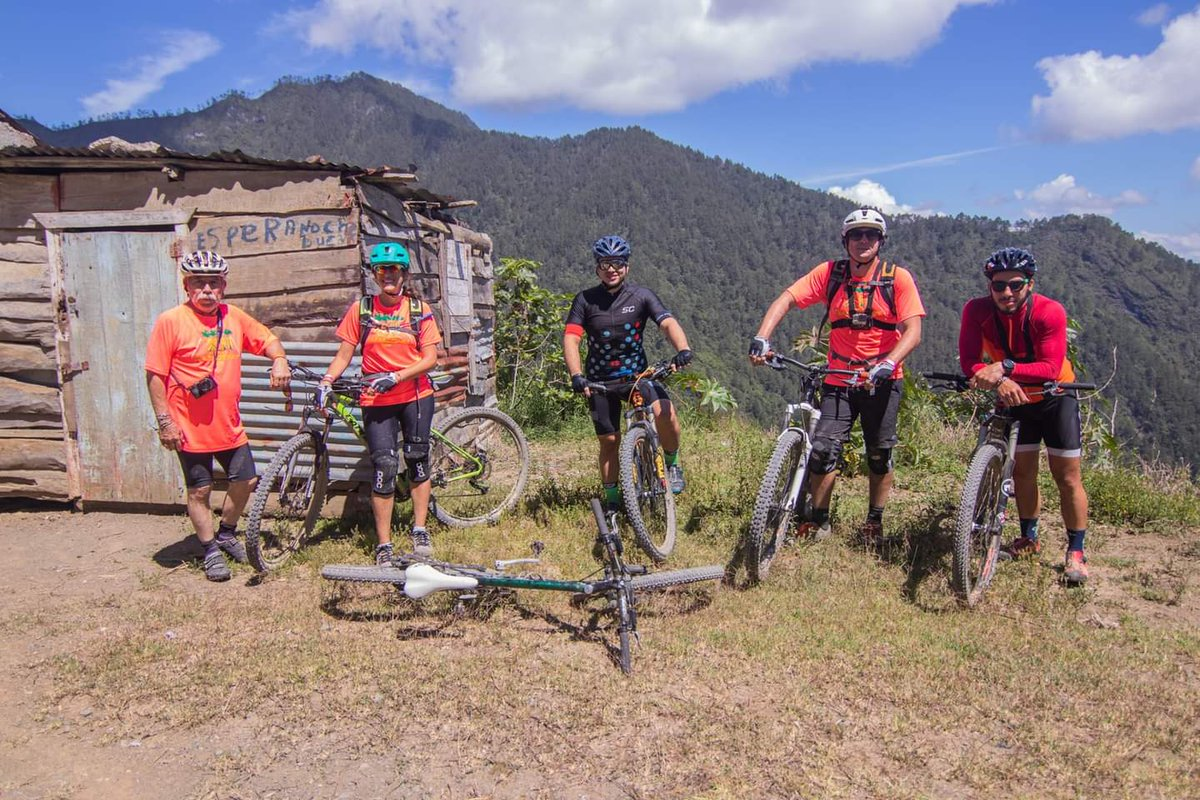 #TBT recorridos por nuestras montañas. Desde #Ocoa hasta #ValleNuevo #OcoaEsParaDescubrirlo #OcoaIrresistible  #TurismoRural  #aventuras #bicicleta  Te atreves ? https://t.co/0Bl3FfkavS