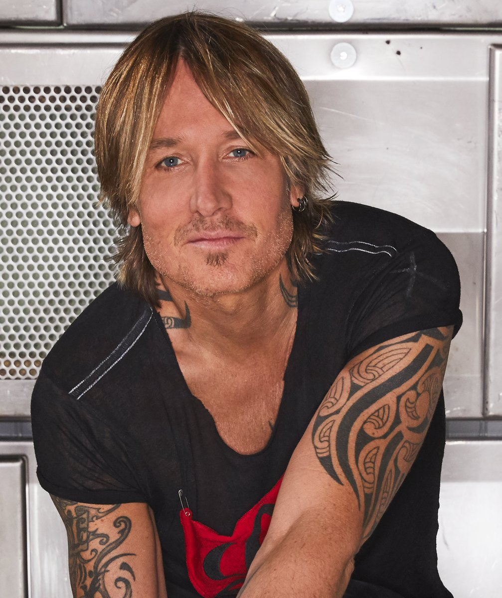 So good it had to be broken into parts. @KeithUrban returns with his 10th album, #THESPEEDOFNOWPart1. Dive in now 🎸  https://t.co/bRUtFZY9vD https://t.co/Zf578kPQqc