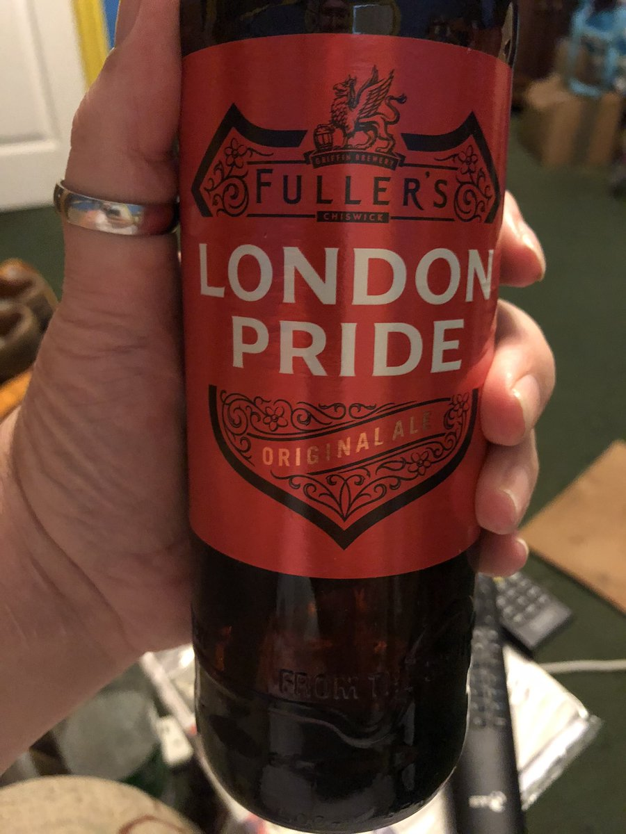 All this tweeting with the #FarLeft makes me feel thirsty #LondonPride https://t.co/86hZiPzF6F