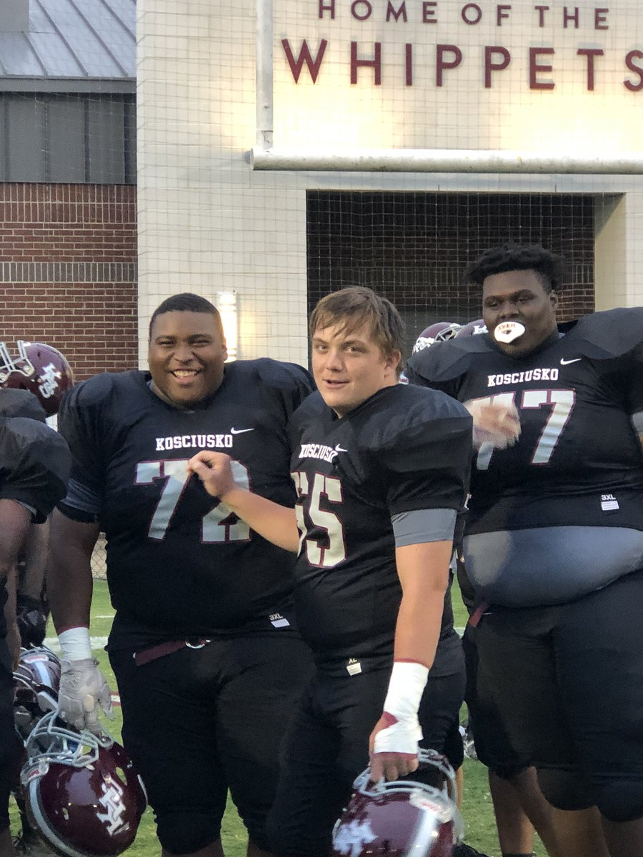 Please say a prayer for our #77 Michael Thomas!  He is such a great kid who plays with his heart!  Pray for a complete healing for our Big Mike!! The Whippets love #77!!! https://t.co/r1VcUKek8Q