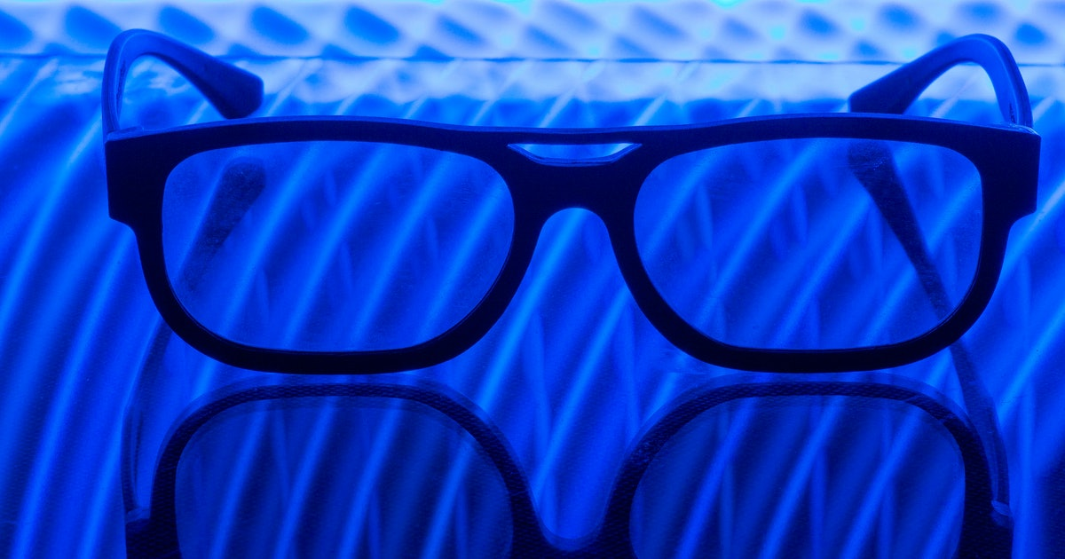 Can blue-light glasses help you sleep? Scientists separate fact from fiction. https://t.co/f1HR3fvxO3 https://t.co/fFYBSbPt55