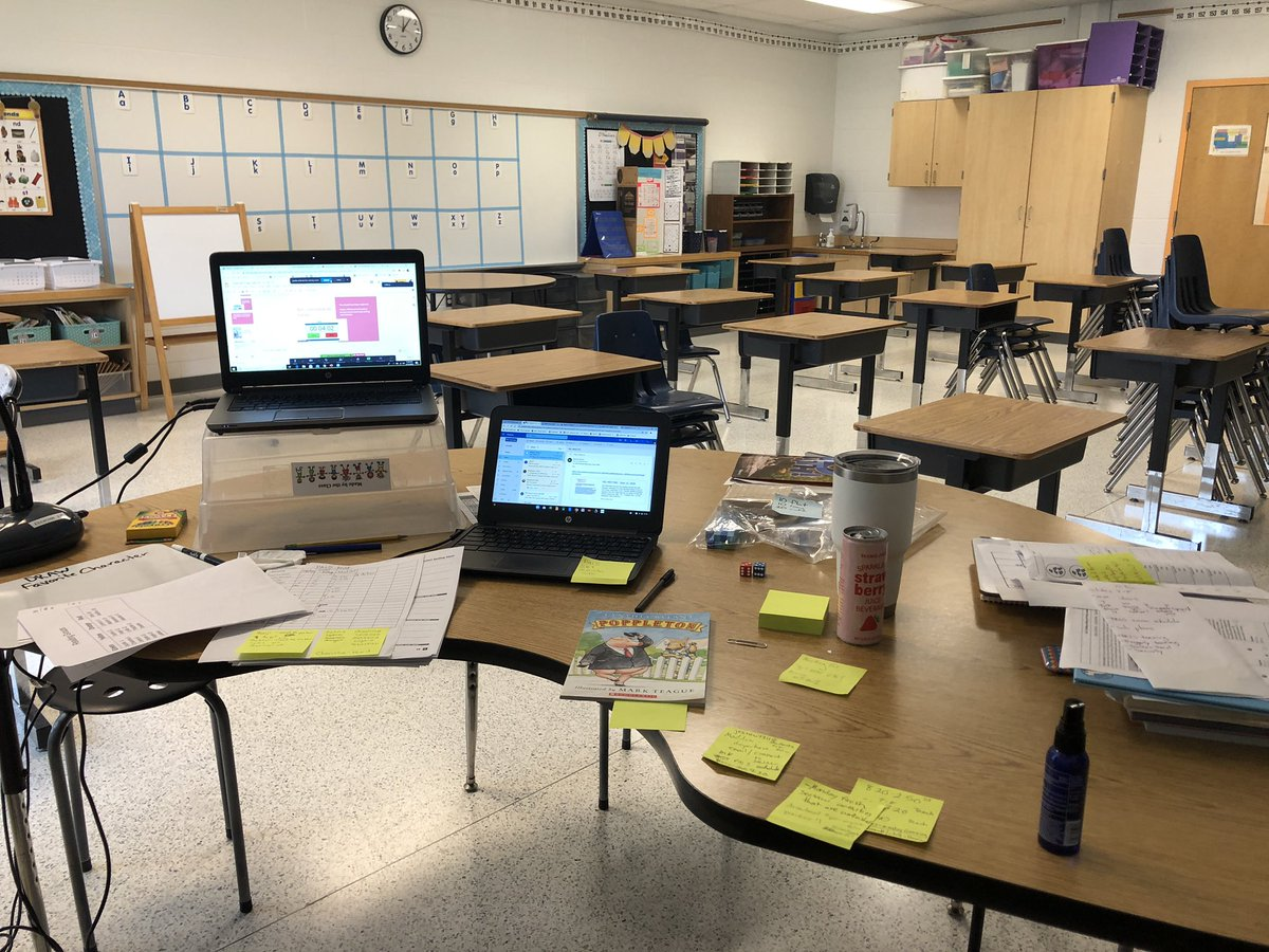 Soon these desks will be filled with sweet faces. For now I'm trying to bring the positive energy through the screen each day 💻 And not use too many sticky notes 📝 🤷🏼♀️#bettertogether https://t.co/geljRhWOOb