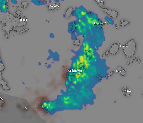 Μεσογειακός κυκλώνας #Cassilda #Ιανός ΠΡΟΣΟΧΗ ⚠⚠⚠ Κακοκαιρία με έντονη βροχή και κεραυνούς καταγράφει το ραντάρ καιρού και ο δέκτης ηλεκτρικων εκκενώσεων τις δύο τελευταίες ωρες (01:30-03:25) στο νησιωτικό σύμπλεγμα Μήλου-Κιμώλου-Σίφνου και σε λίγο γενικότερα στις Κυκλάδες https://t.co/swPmCVcSKK