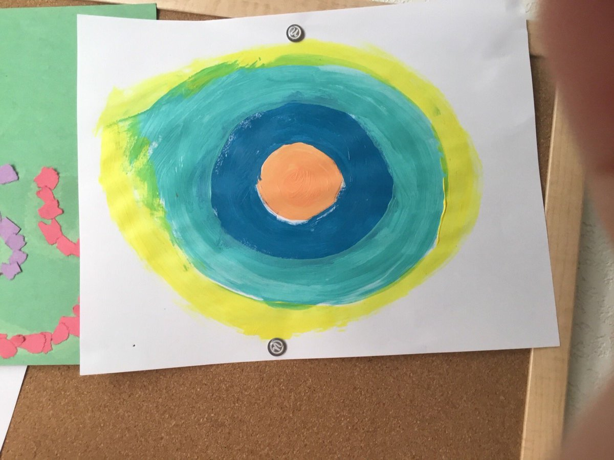 Another one of @hayes_melisa awesome #STEM ideas 💡 made in @Seesaw! 🙌🏻 Kids painted 🎨 their #DotDay2020 dots and then planned & created frames 🖼 for their paintings. https://t.co/e3xcW2pwFH #remotelearning #BPSLearns https://t.co/uW37kUkPsQ