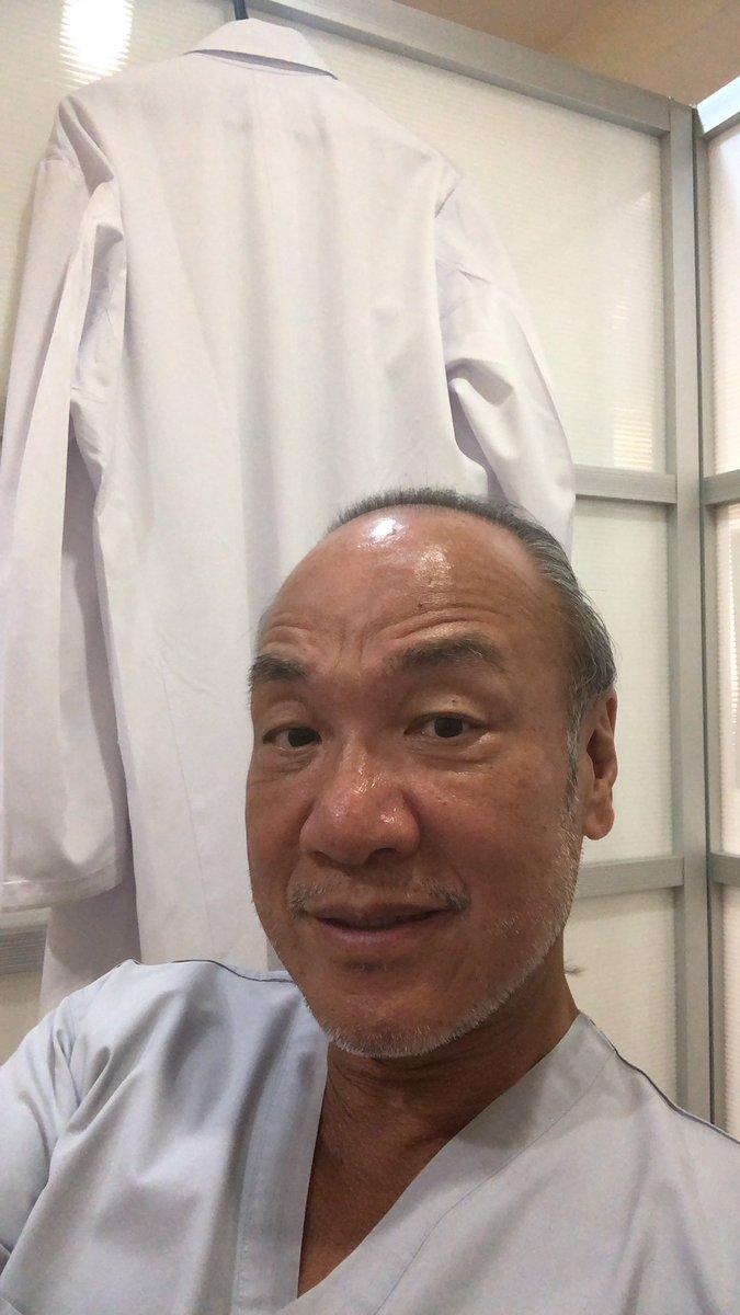 尾山台インプラント情報オペ前のミィーティングが終わって治療の事前の善です。ドクター2名で対応します。CT撮影のお陰で、治療前に終了してます。#インプラント情報 #尾山台インプラント