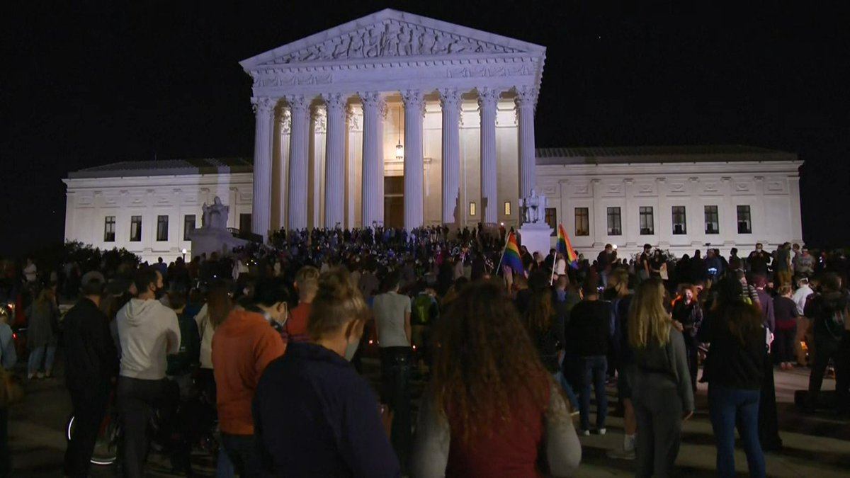 Now: Crowd gathered outside the Supreme Court following the death of Justice GInsburg