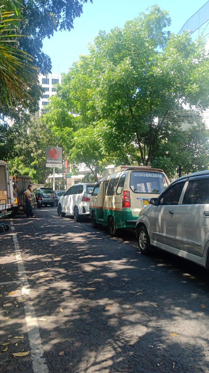 10.04 RT @KoesRohim : Jl. Sumatera jd macet efek ditutup jalan merdeka , punten upami tiasa mah riau merdeka tong di tutup , tutup di aceh lembong we , jd pabeulit punten pisan. Cc : @tmc_restabesbdg https://t.co/V2Gfwqzxp2