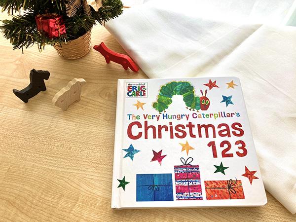 クリスマスのインテリアにもぴったり!🎄 はらぺこあおむしと、クリスマスを楽しみながら 数字と英語を学んじゃいましょう✨  【洋書】The Very Hungry Caterpillars Christmas 123 https://t.co/lVw3RmS3ox #はらぺこあおむし #英語 #ボードブック #クリスマス #インテリア #数字 https://t.co/X2s9rVanrW