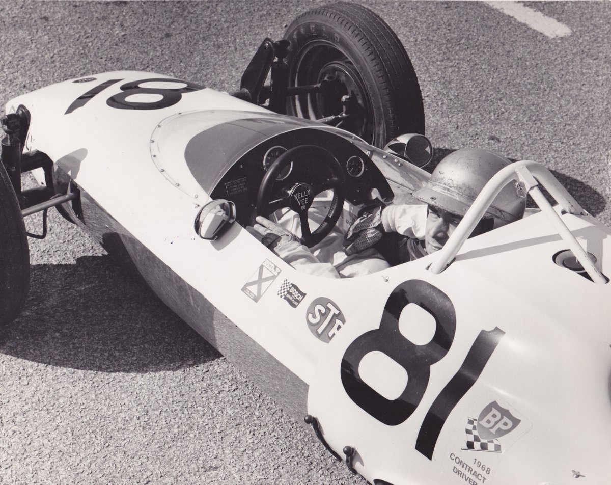 The '71 #CanadianGP started in decent weather but later rain & mist made conditions impossible, hence the red flag. The race had been started late owing to the earlier death in a support race of local man Wayne Kelly (pic), whom we should remember #OnThisDay therefore. #RIP (2/3) https://t.co/L2F7d5zIUp