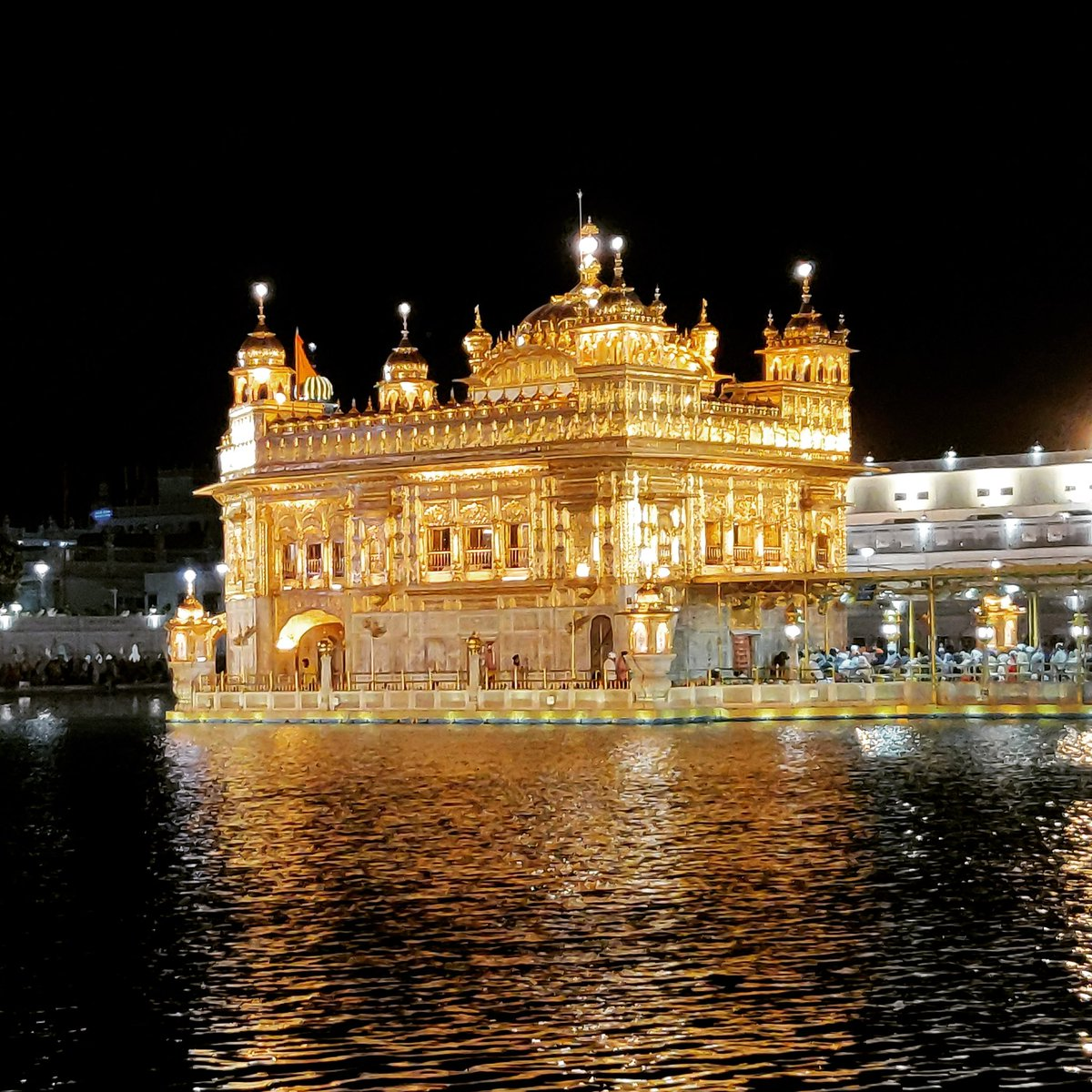 Satnam Waheguru!!!  #goldentemple #peaceofmind #travelphotography https://t.co/6ihPSeu8Mf