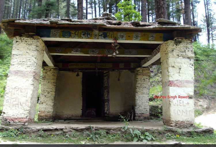 """#BhavishyaBadri ,near Joshimath. """"Future abode of lord vhishnu"""" When Kalyug will befall on Mankind,the mountains of Nara & Narshima will block the route of #Badrinath, when shirne becomes inaccessible Lord badri will appear here. @LostTemple7 @proudlymessedup @Hamainsanghihu https://t.co/My8ybtgcB3"""