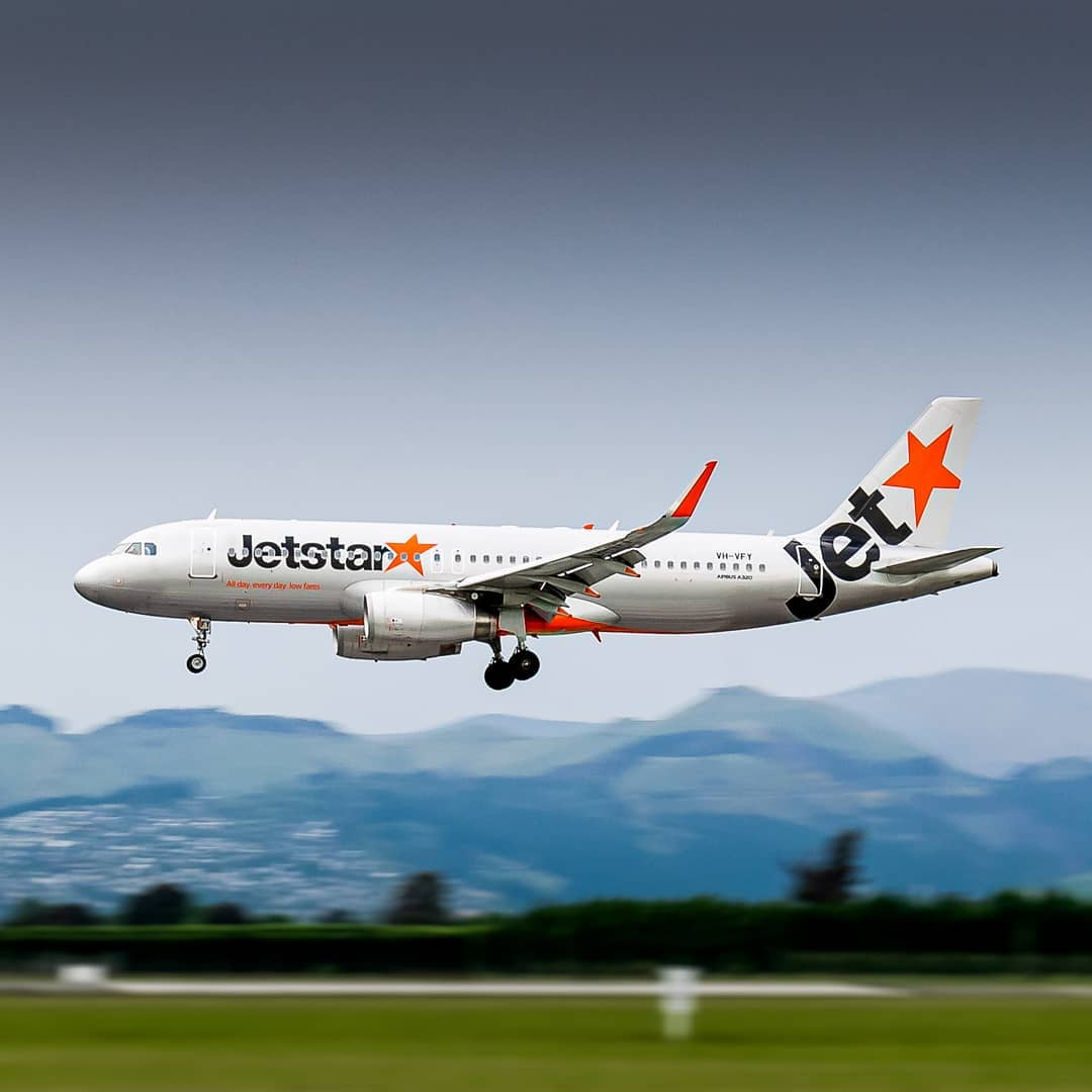 Excited to have @JetstarAirways back in our skies, just in time for the school holidays! 🧡👋🎉   📷: IG perspective.aviation https://t.co/NBY57VbsoC