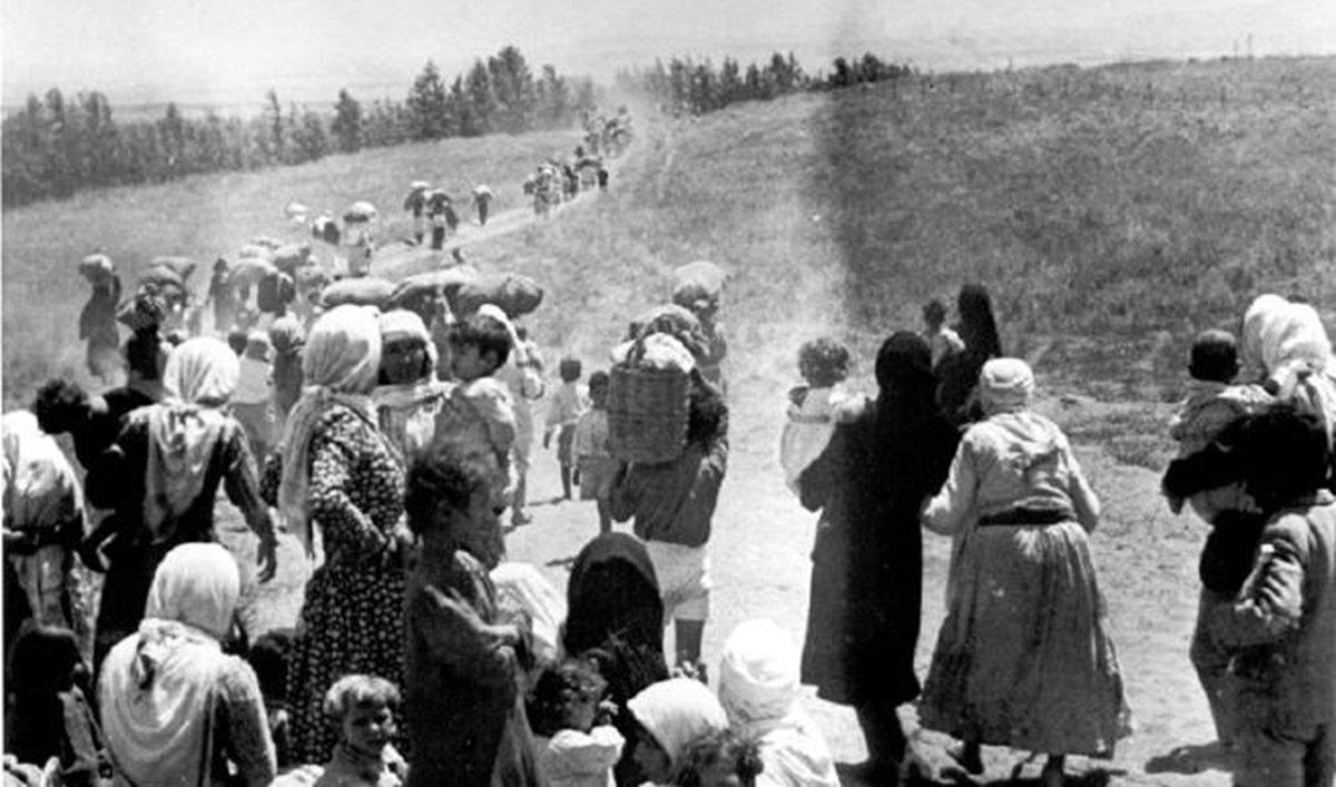 لمن يقول الفلسطينيون باعوا أرضهم وباعوا بيوتهم، هذه من أحداث 1948 وبالأرقام: - دخلت القوات الإسرائيلية فلسطين بأكثر من 70 ألف مقاتل - ارتكبوا 34 مجزرة - تم تهجير نحو 200 ألف شخص - تم تدمير 478 قرية  #التطبيع_خيانة https://t.co/Y3wRmy7F9T