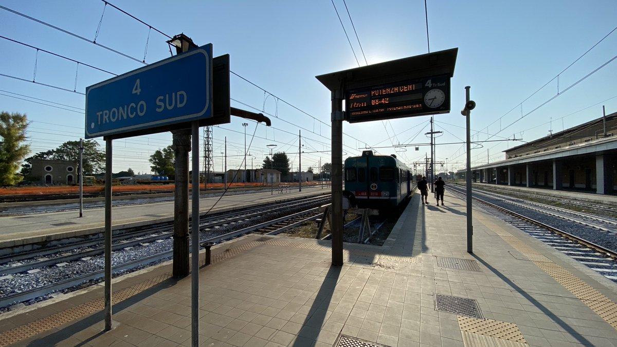 The 08.42 Foggia to Potenza my #allthelineseurope ride this morning.  #railway #train #railways #trains #rail #trainspotting #railroad  #railfans #trainspotter #travel #eisenbahn  #railfan  #trainstagram #railwaystation #zug #trenes #bahn #trenitalia #koleje #tren https://t.co/tr44XXzpRo