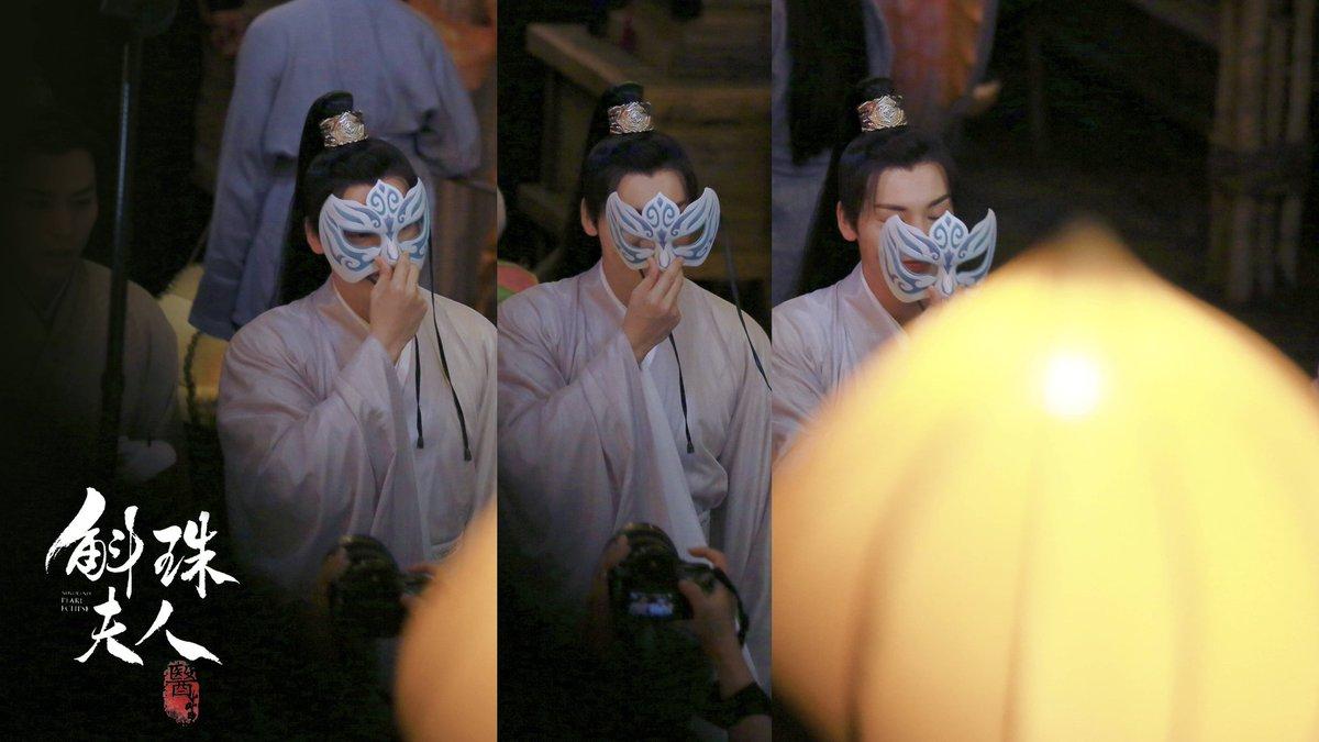 2020:19:09 William Chan at the set  from drama #novolandpearleclipse #novoland #pearleclipse #斛珠夫人 #陈伟霆斛珠夫人 #陈伟霆古装   #williamchanwaiting #WilliamChan #陈伟霆 #陳偉霆 #ChenWeiTing #Trần_Vỹ_Đình https://t.co/sKk9kIZuZk