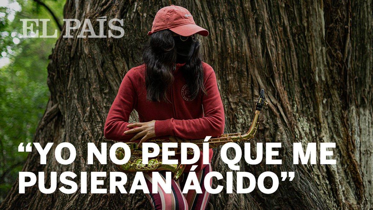 Tras cinco meses postrada en la cama de un hospital, la saxofonista de Oaxaca María Elena Ríos exige justicia: reclama que tras un año de ser atacada con ácido las investigaciones están en punto muerto  🔴 https://t.co/3TvjP6AJSl  🖋 @Muna_bargan 📹 @gladys_serrano   HILO [1/8] https://t.co/SCoMQdjWJl