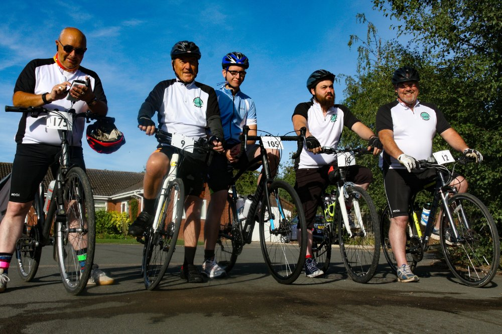Good luck to Chris, John, Maurice and Bill who set off on their 80km bike ride challenge this morning around Wellesbourne Airfield, in honour of #BoB80. We wish you all the best of luck! 🚴‍♂️ You can support their fundraiser here:👉 fal.cn/3aq83
