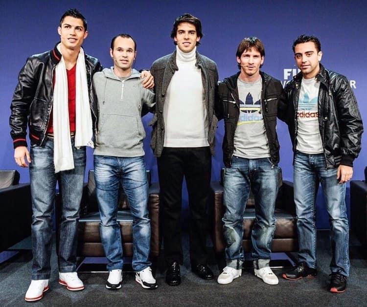 "The 2009 Ballon d'Or top 5 or ""Backstreet boys on tour"" 😁  #footballmemories #kakà #kaka #xavi #iniesta#forcabarca #viscabarca #fcbarcelona #BarçaFans #ForçaBarça #CampNou #operazionenostalgia #laliga #operazionenostalgia #ballondor #pallonedoro #seriea #serieatim https://t.co/yYz3BE99ML"
